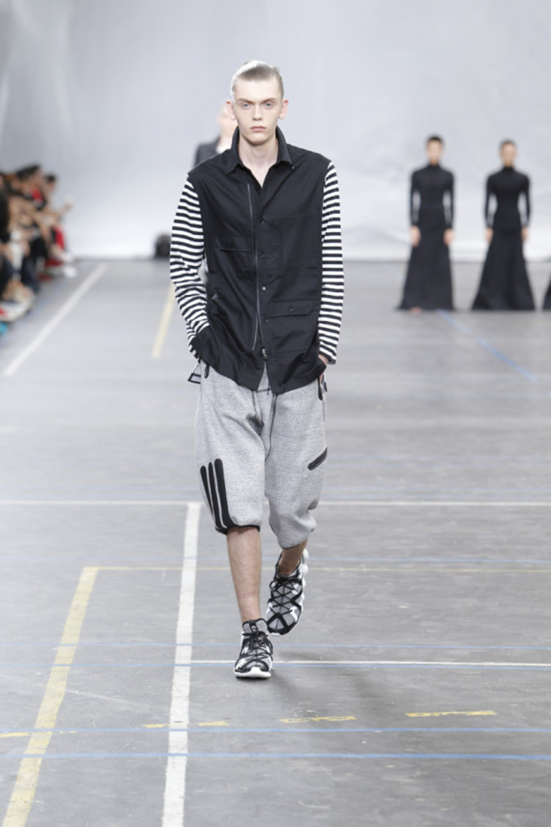 y-3-spring-summer-2016-collection-runway-show-09