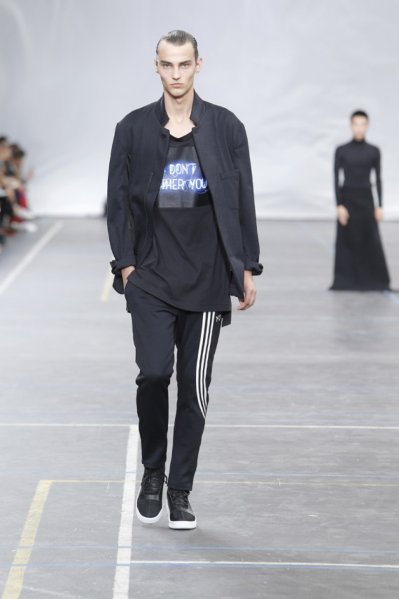 y-3-spring-summer-2016-collection-runway-show-03