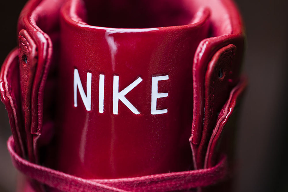 nike-dunk-high-lux-sp-gym-red-02