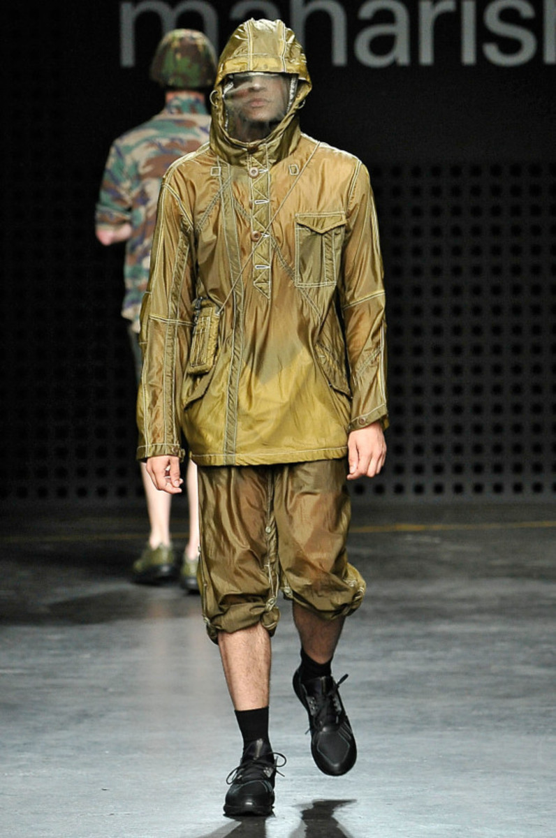 maharishi-spring-summer-2016-collection-runway-show-12