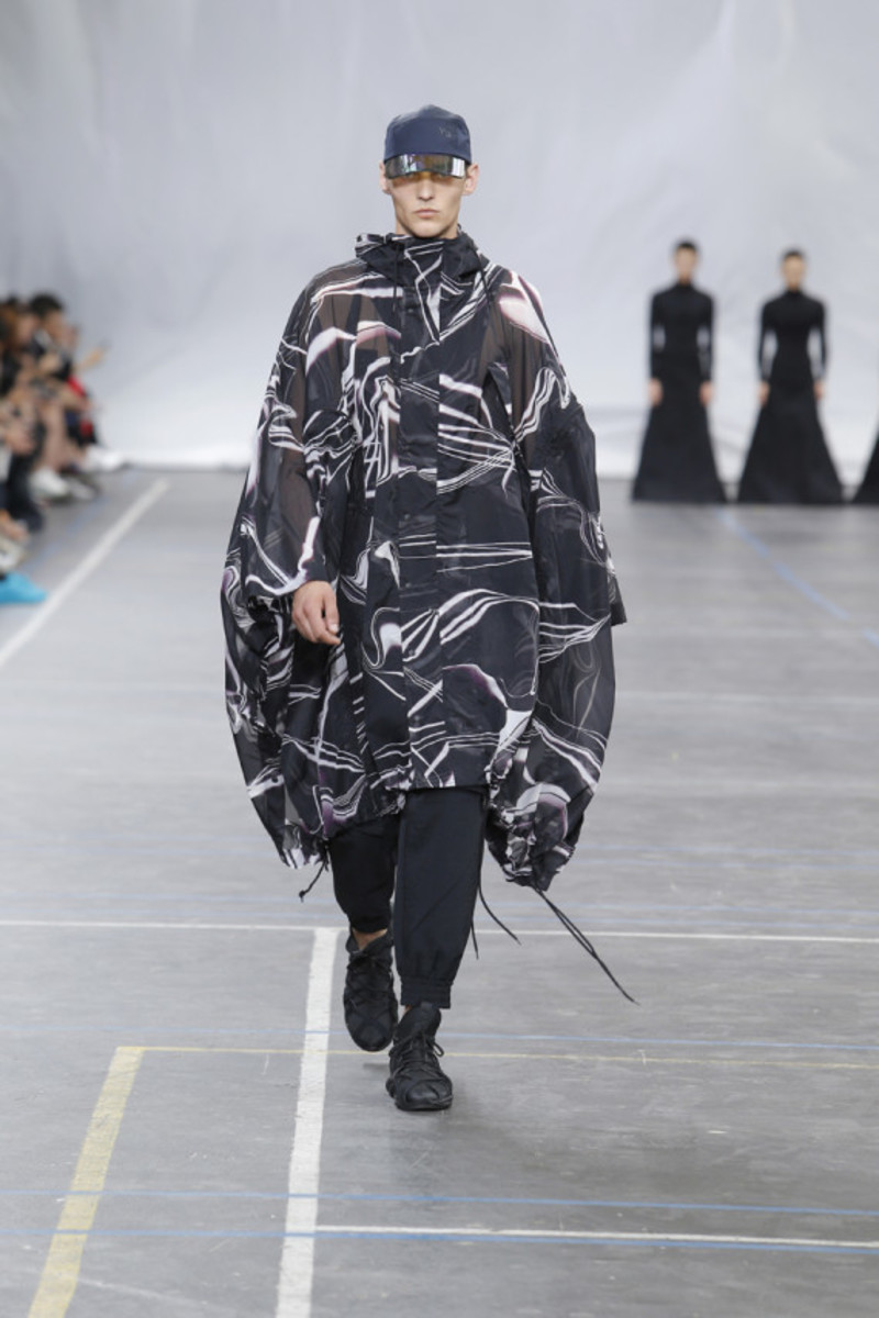 y-3-spring-summer-2016-collection-runway-show-19