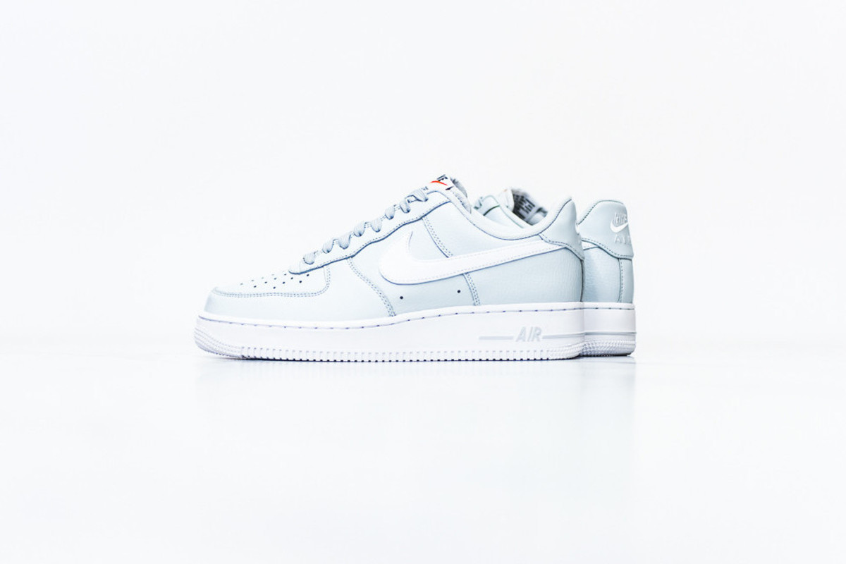 nike-air-force-1-pure-platinum-00