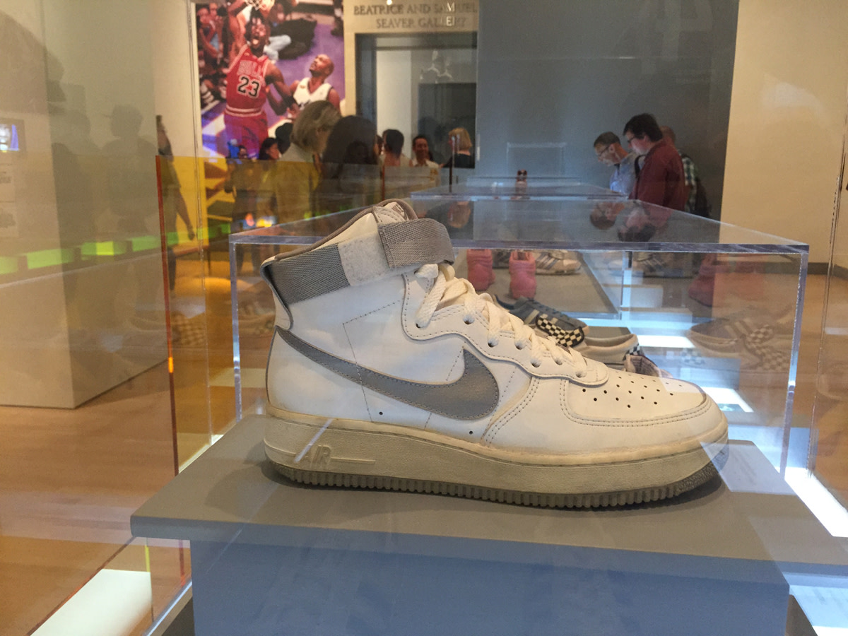 rise-of-sneaker-culture-exhibit-16