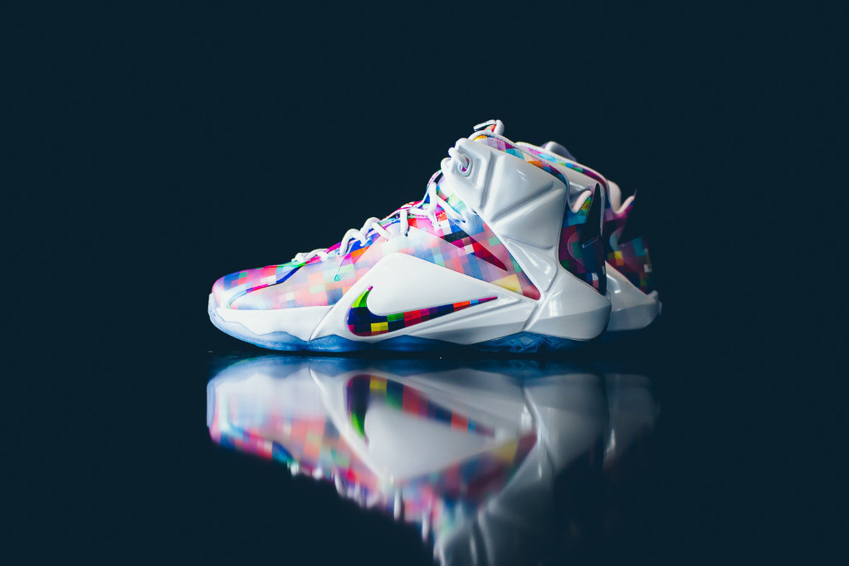 nike-lebron-12-ext-finish-your-breakfast-01