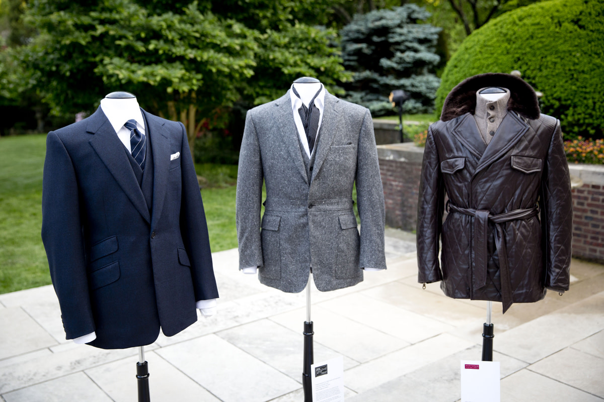 bentley-presents-intelligent-details-the-bespoke-driving-jacket-01