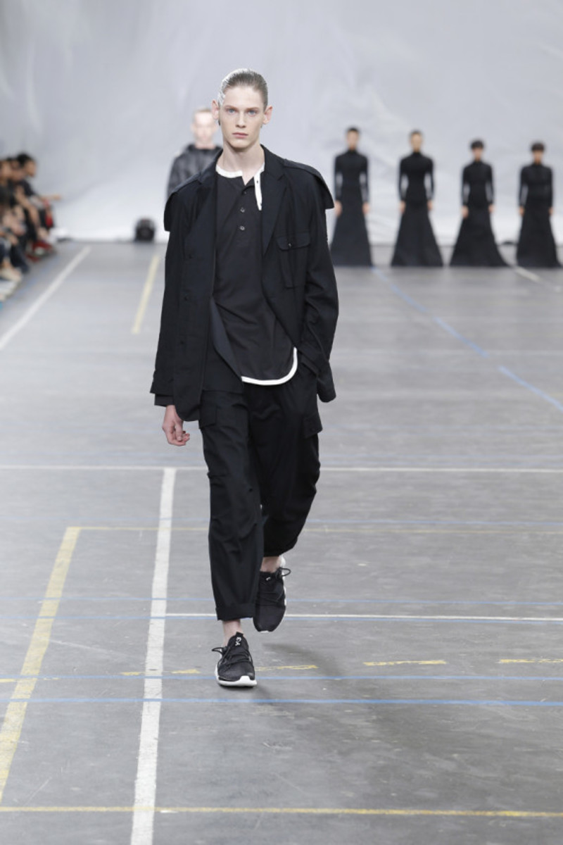 y-3-spring-summer-2016-collection-runway-show-15