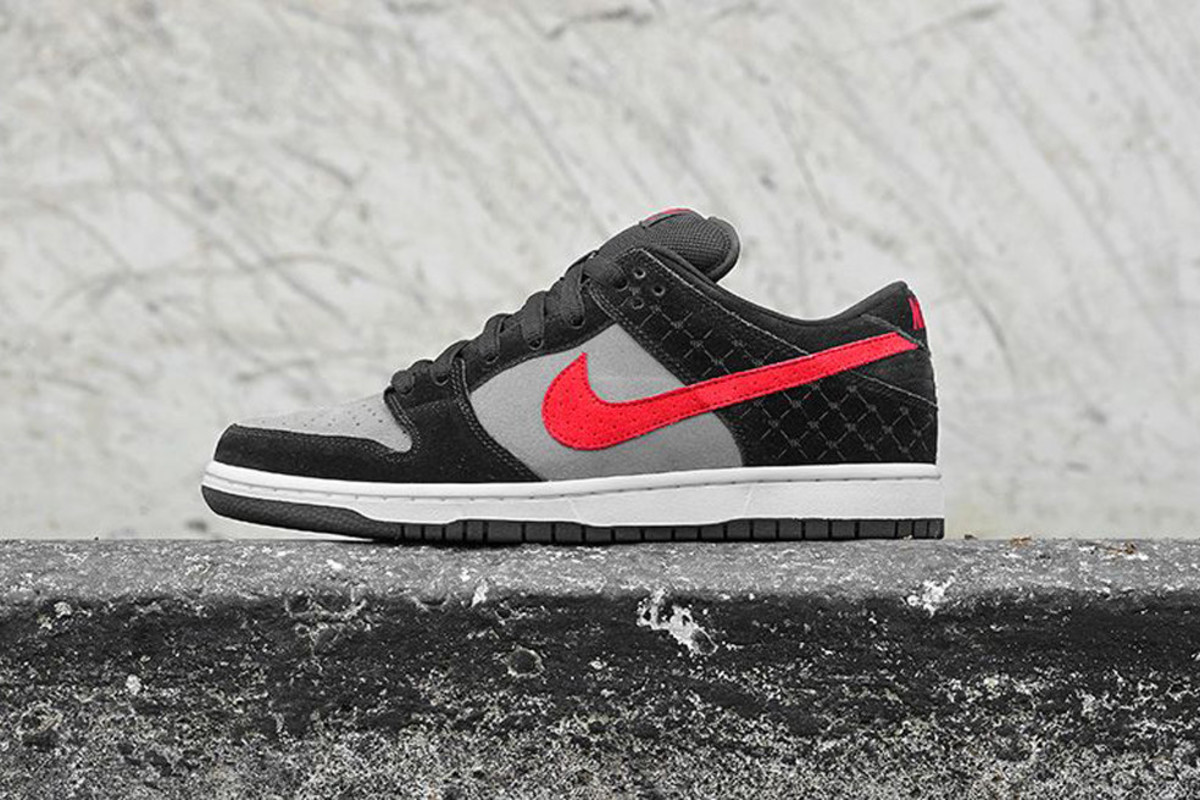 nike-dunk-low-premium-sb-primitive-00