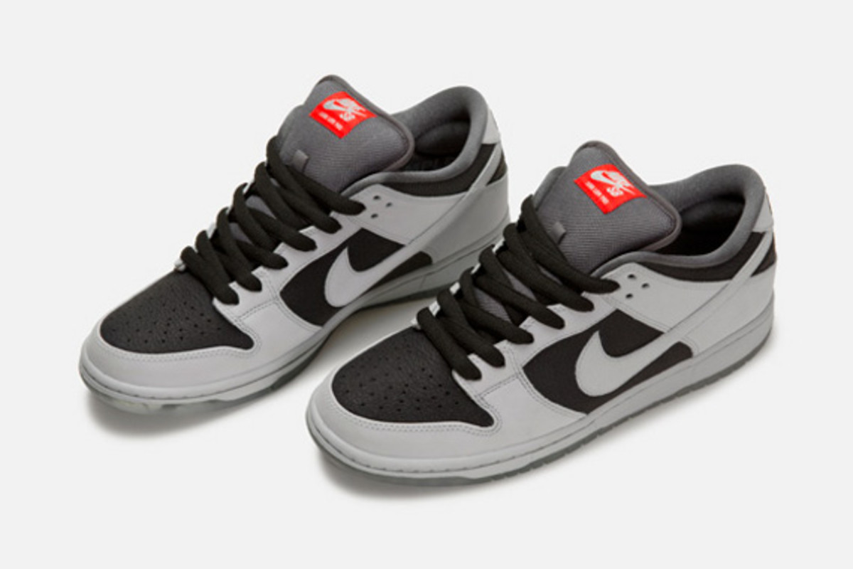 atlas-nike-sb-dunk-low-35mm-collection-01