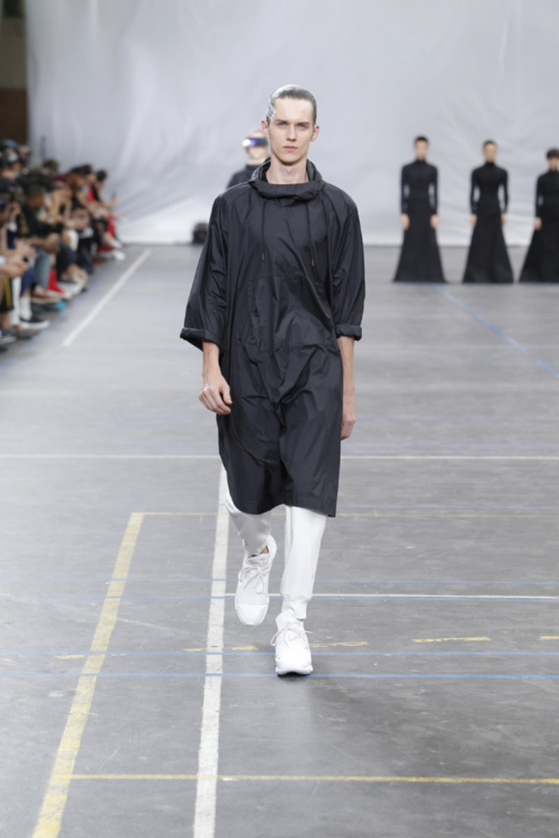 y-3-spring-summer-2016-collection-runway-show-12