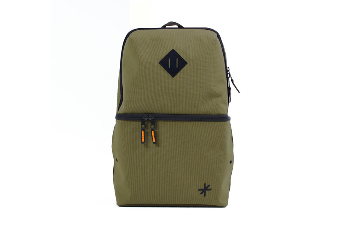 shrine-sneaker-daypack-07