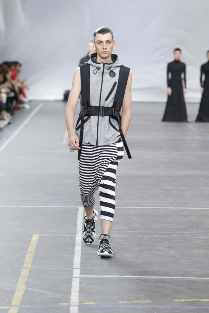 y-3-spring-summer-2016-collection-runway-show-11