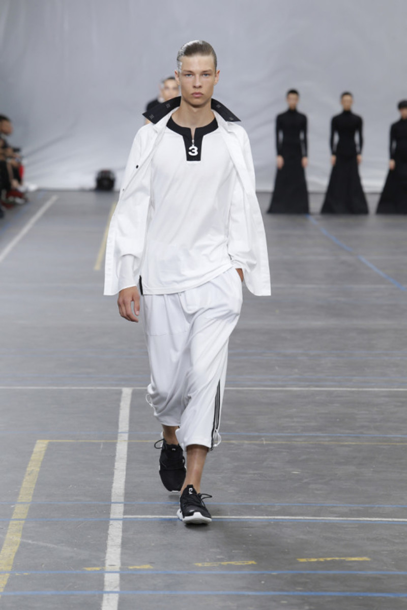 y-3-spring-summer-2016-collection-runway-show-14