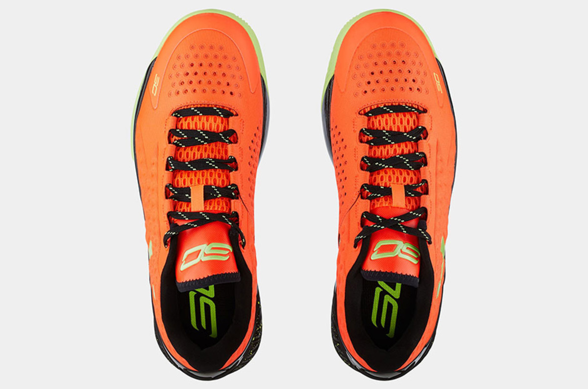 under-armour-curry-one-low-bolt-orange-03