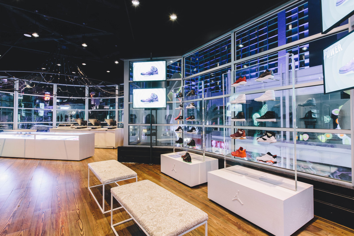 jordan-brand-takes-over-las-vegas-with-first-to-fly-event-10
