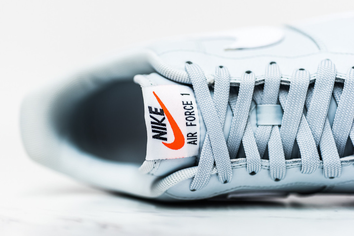 nike-air-force-1-pure-platinum-03