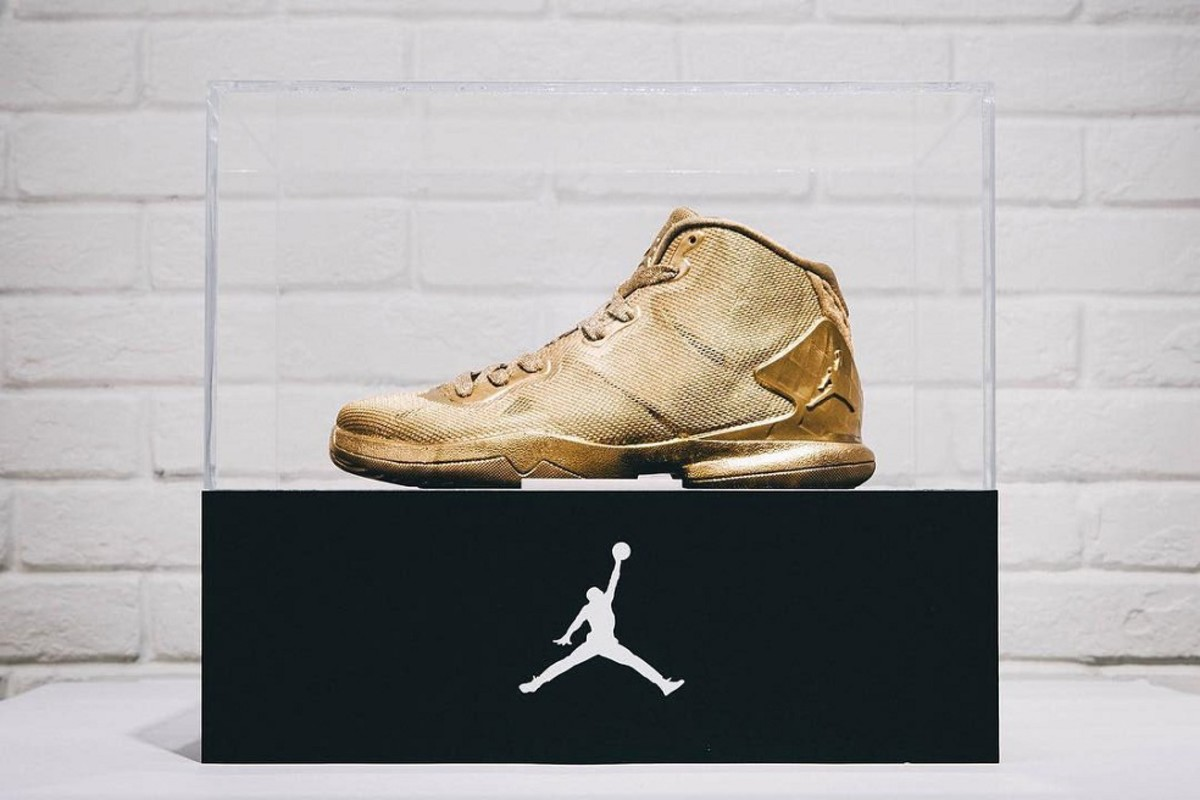 e0b11ae379d Dunk Contest Winner Earns 23-Karat Gold Jordan Super.Fly 4 ...