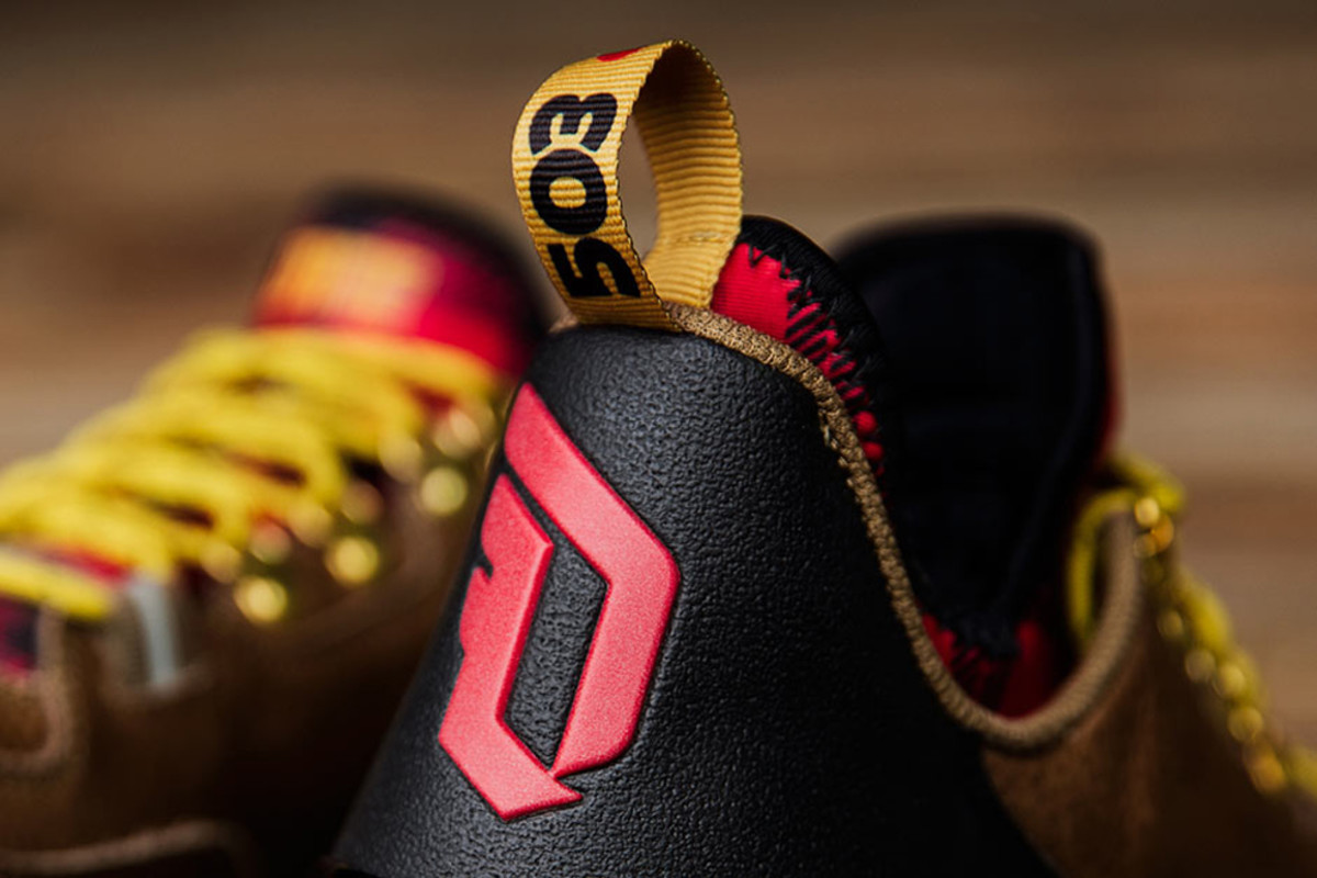new-adidas-d-lillard-1-pays-tribute-to-portland-02