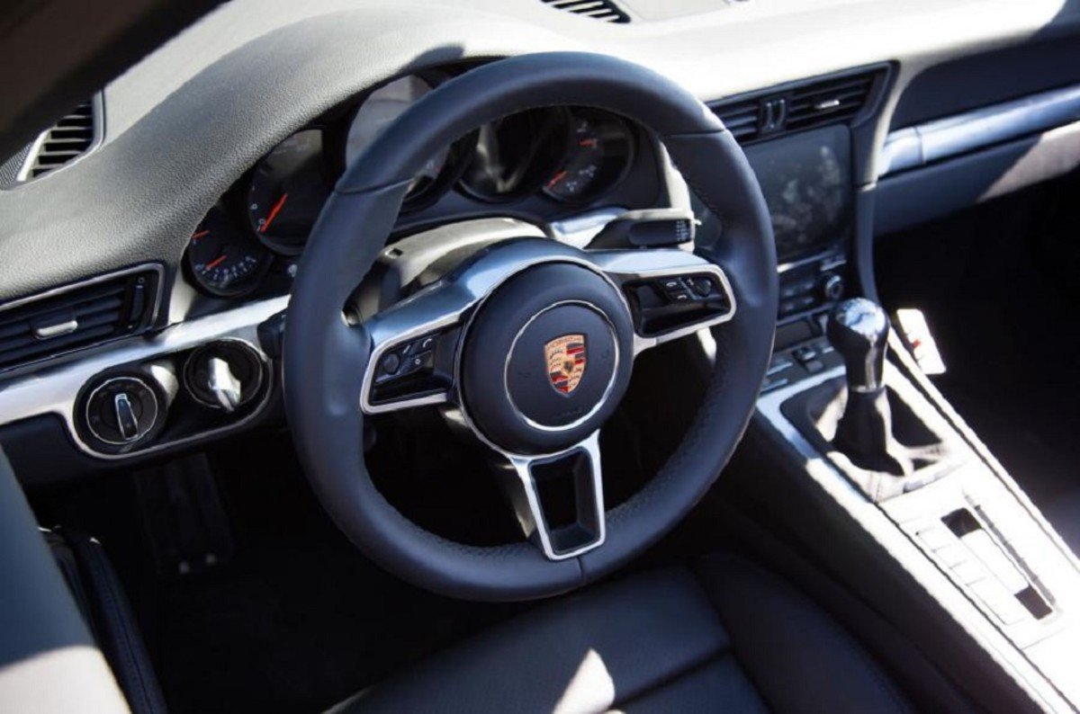 porsche-911-facelift-teased-in-south-africa-10