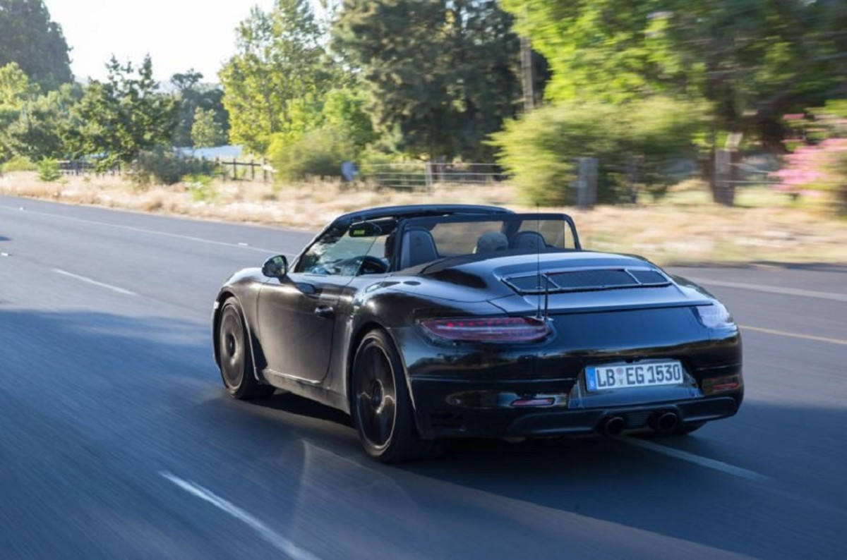 porsche-911-facelift-teased-in-south-africa-7