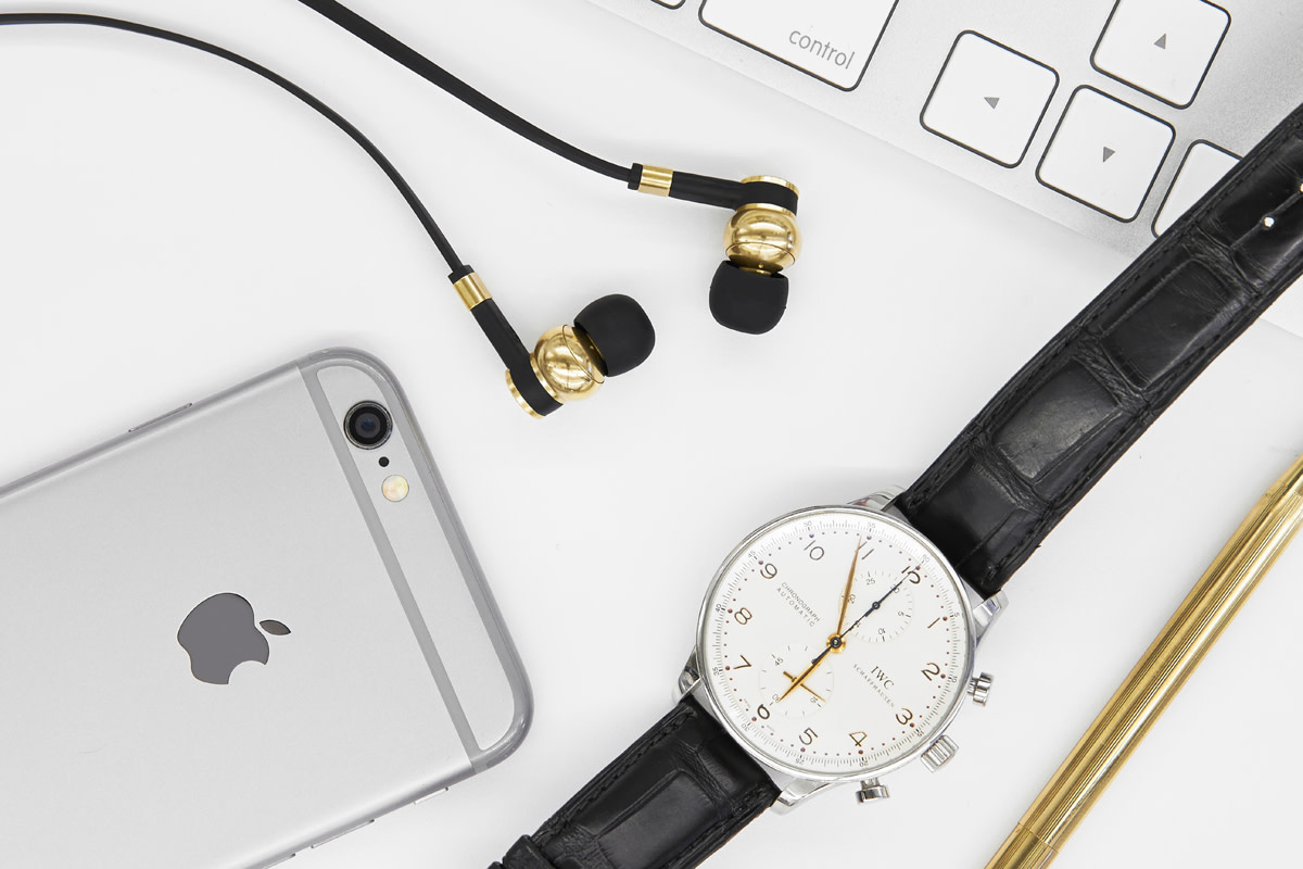 master-and-dynamic-me05-earphones-02