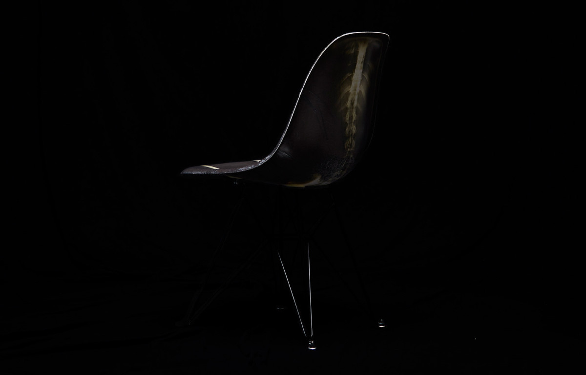 dr-woo-modernica-limited-edition-chair-02