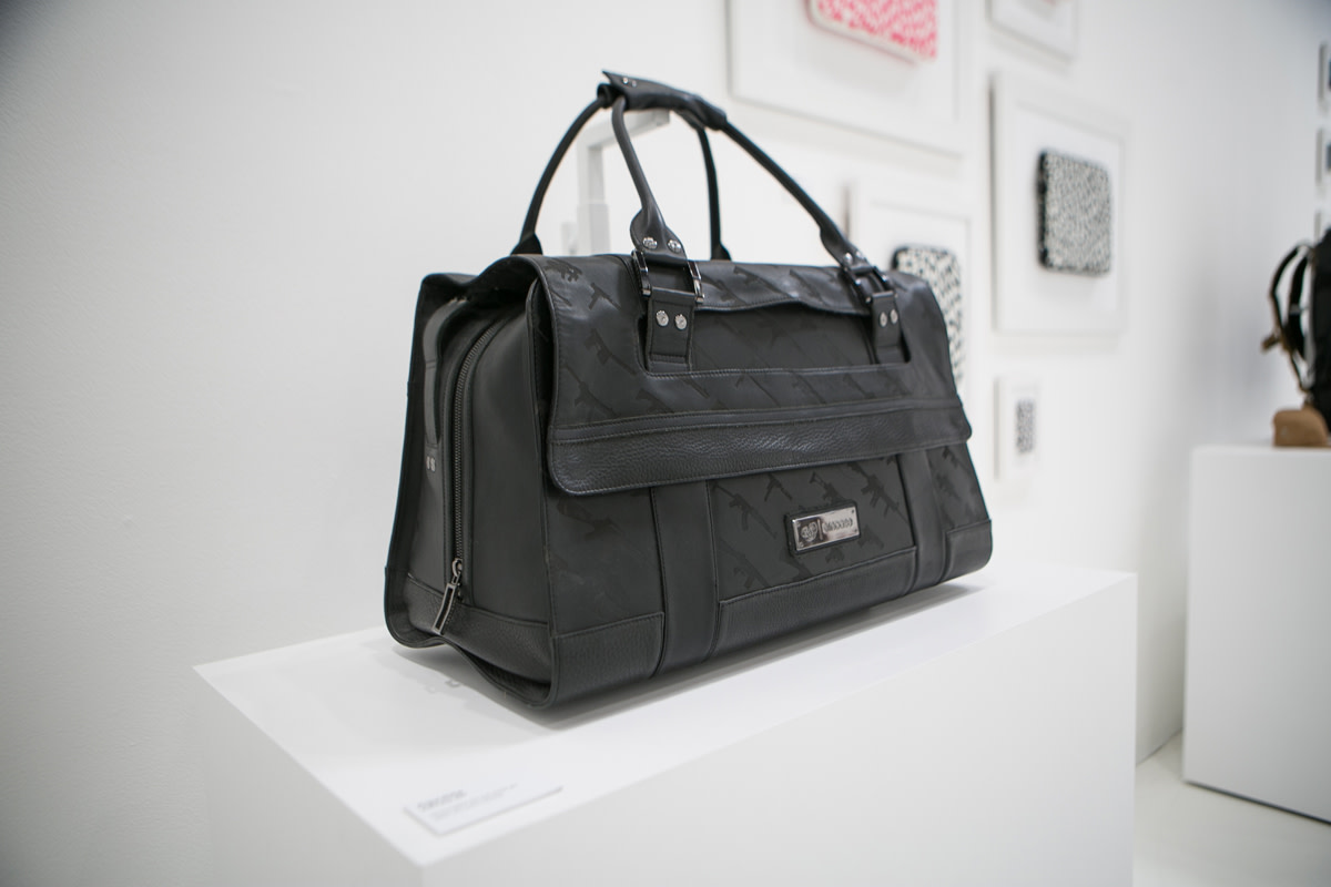incase-launches-techlife-pop-up-shop-in-los-angeles-12