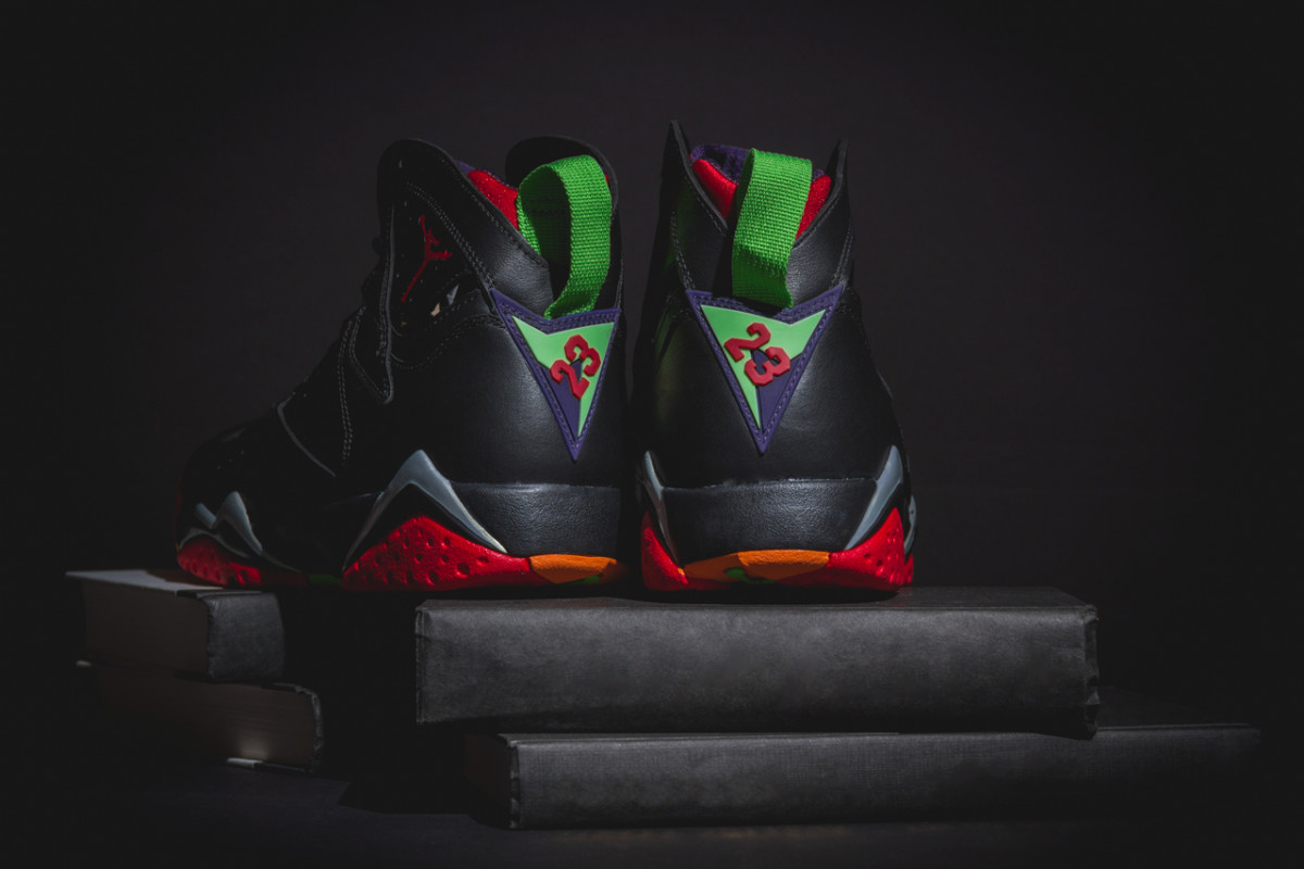air-jordan-7-retro-marvin-the-martian-03