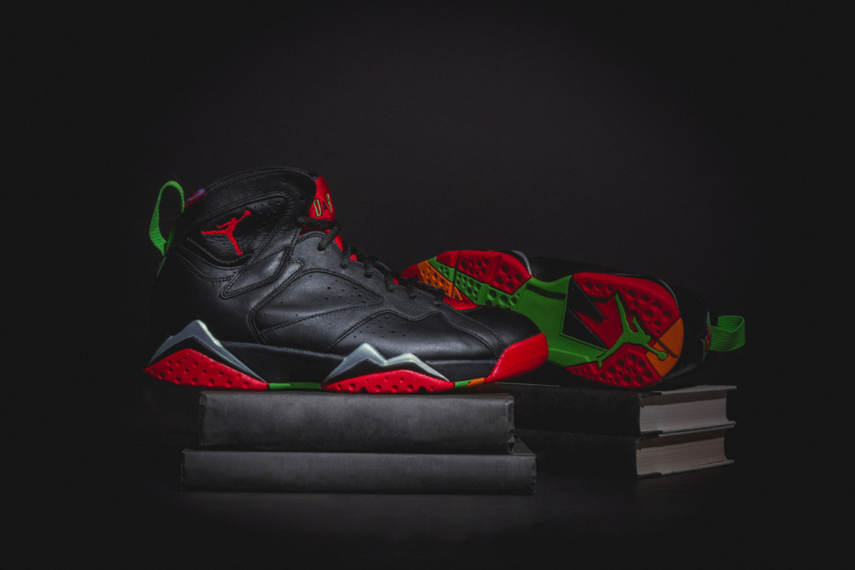 air-jordan-7-retro-marvin-the-martian-00