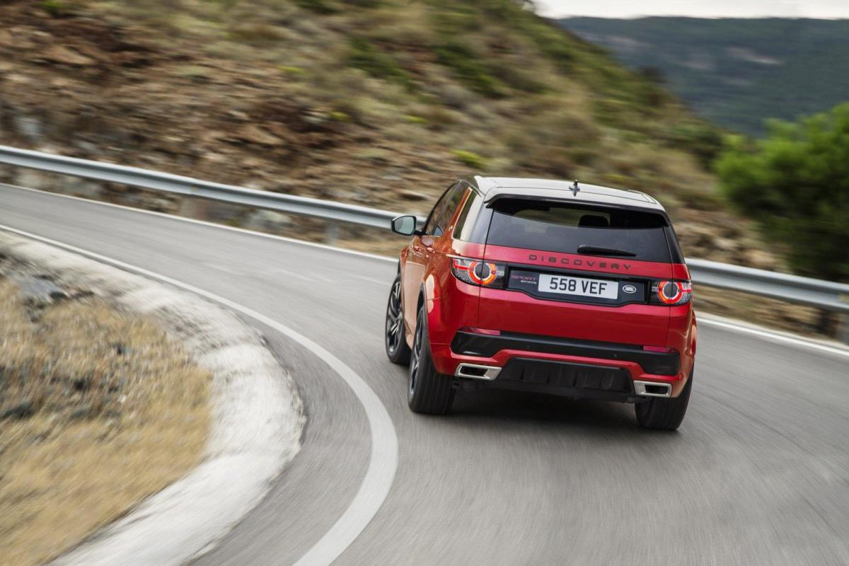 2016-land-rover-discovery-sport-dynamic-04