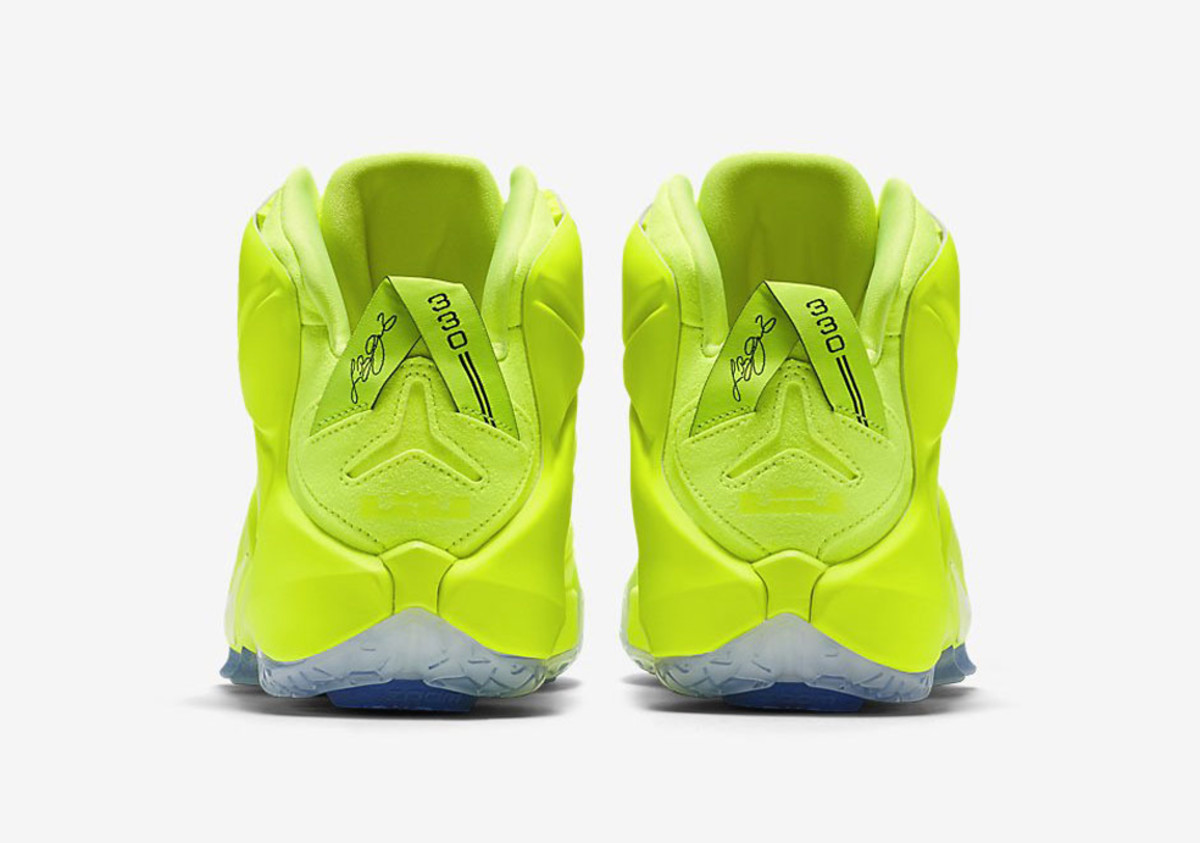 nike-lebron-12-tennis-ball-03