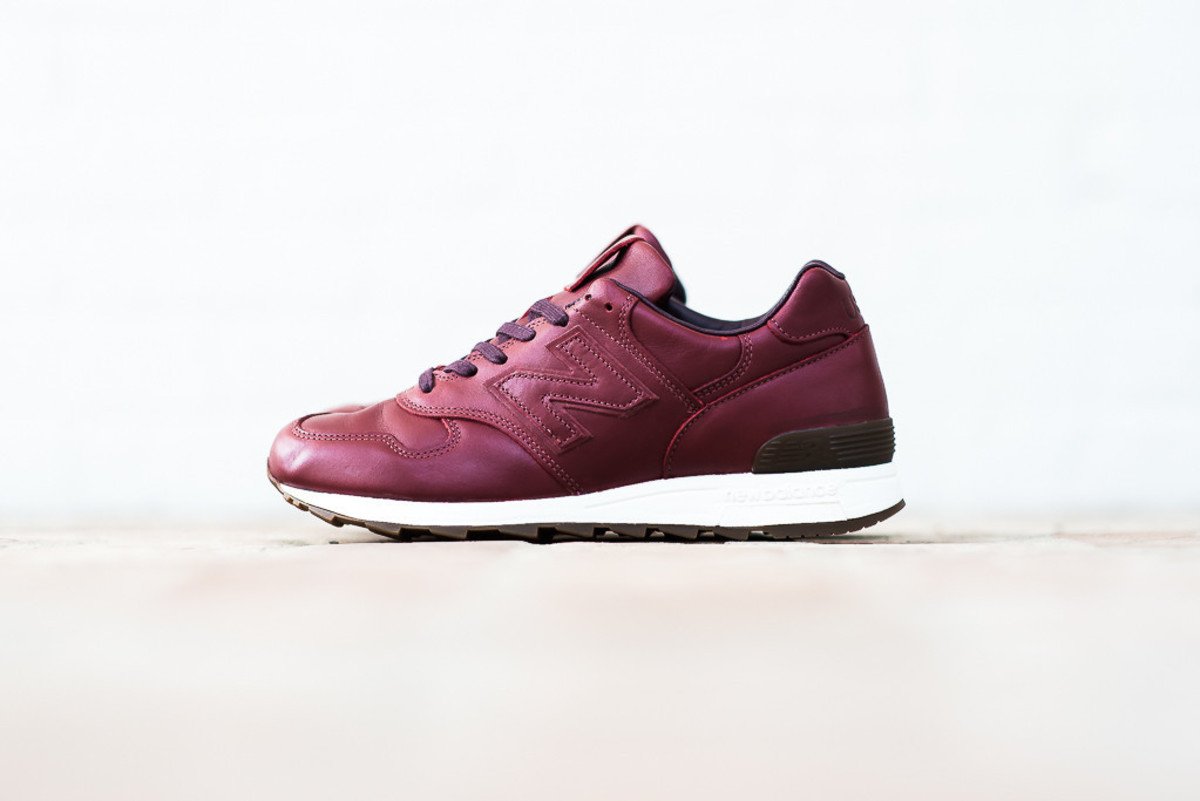 new-balance-horween-leather-pack-01