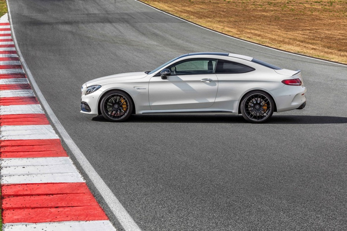 introducing-the-2017-mercedes-benz-c63-amg-coupe-02