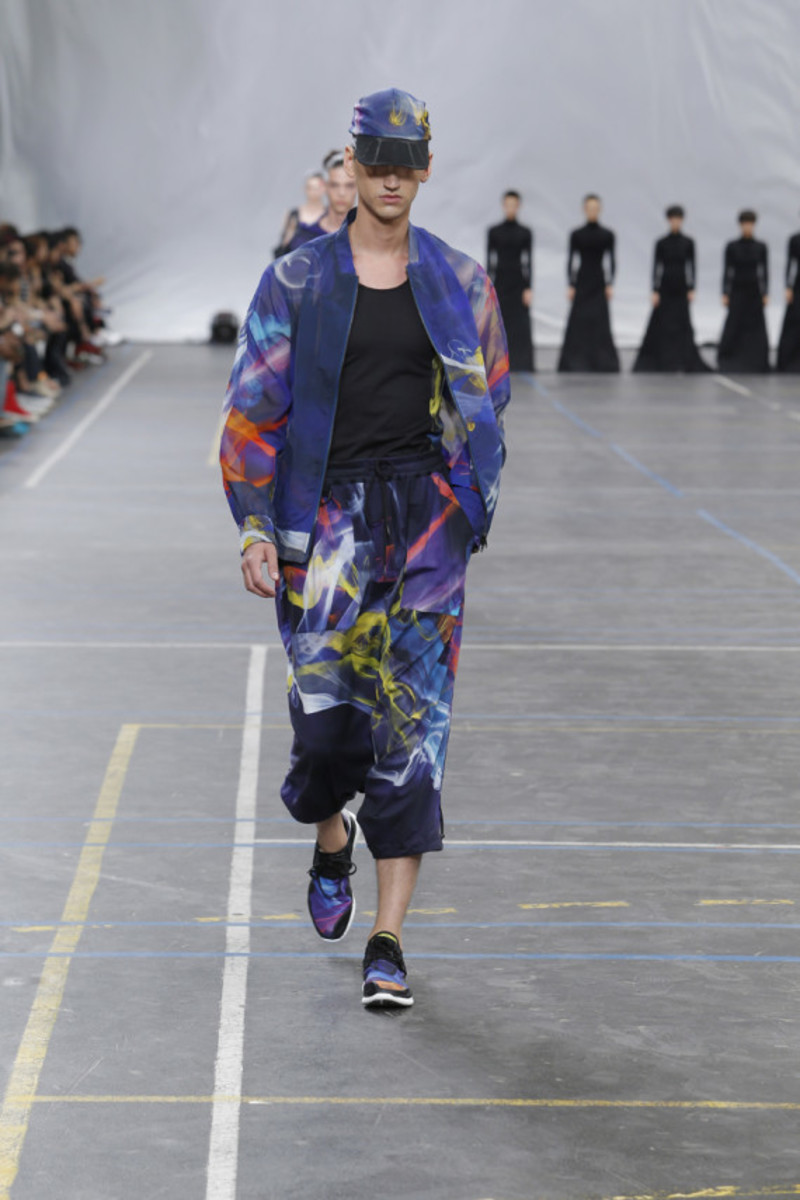 y-3-spring-summer-2016-collection-runway-show-16