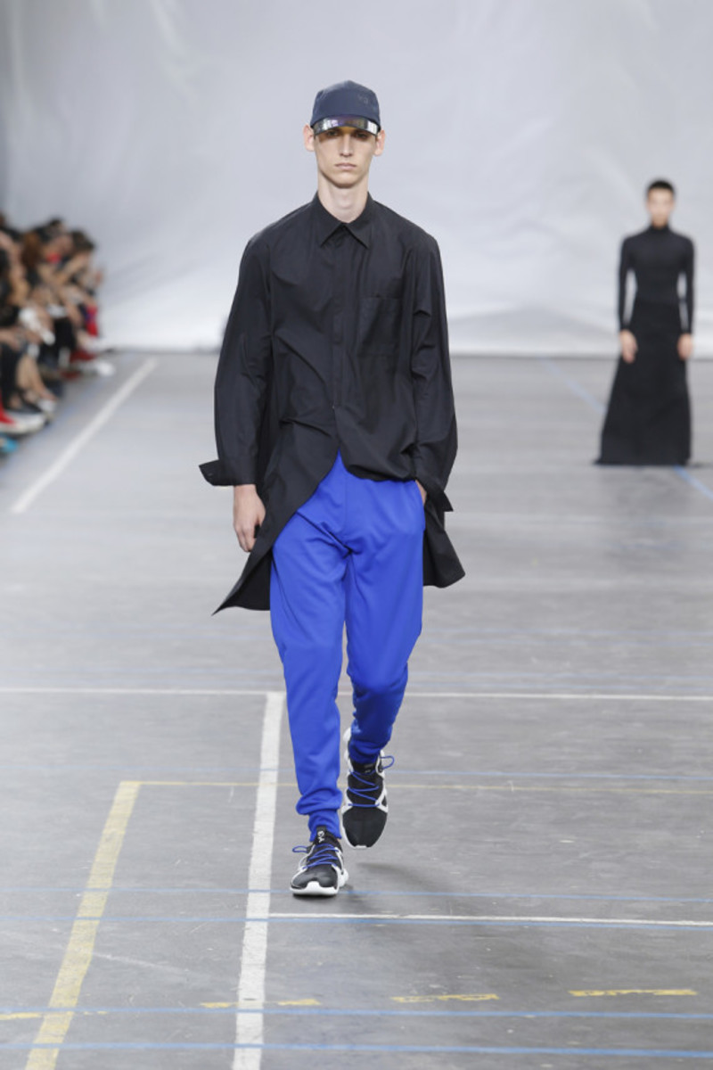 y-3-spring-summer-2016-collection-runway-show-04