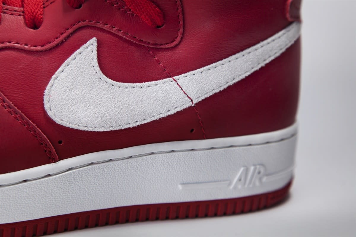 nike-air-force-1-high-nai-ke-gym-red-02