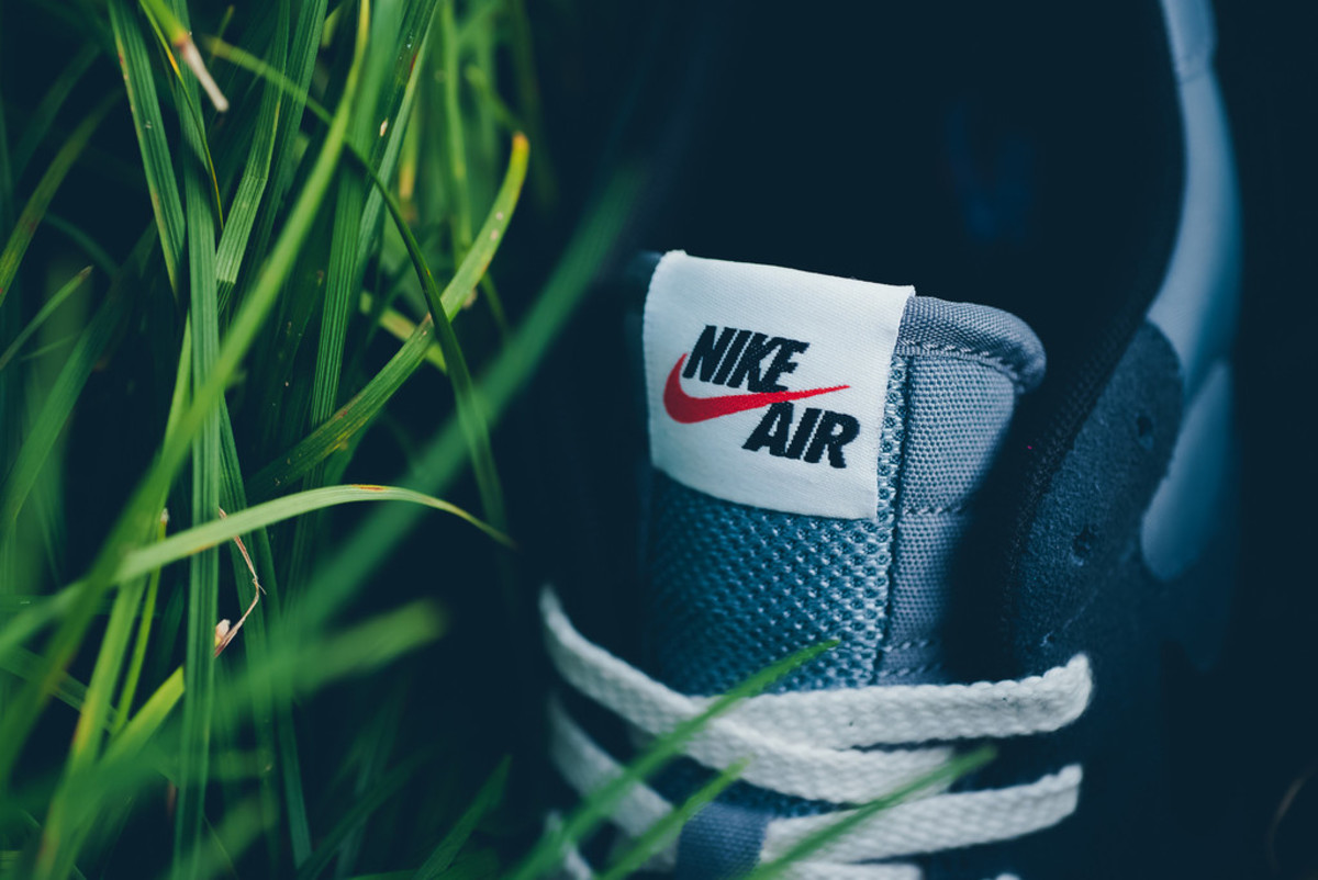 nike-brings-back-the-air-epic-in-four-new-colorways-06