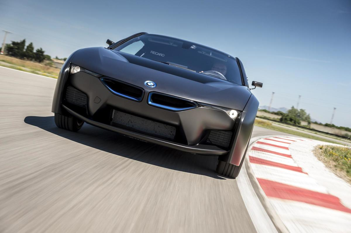 bmw-unveils-i8-hydrogen-fuel-cell-prototype-04