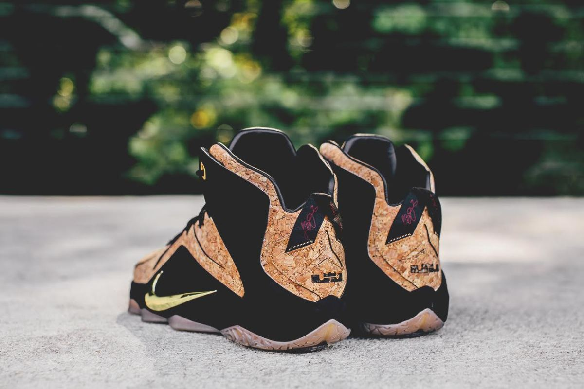 nike-lebron-12-ext-kings-cork-02