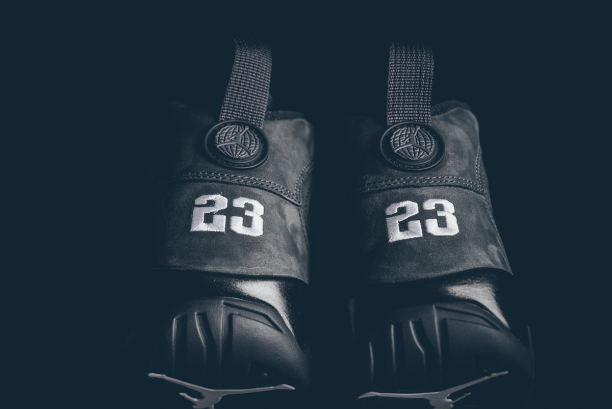 air-jordan-9-retro-anthracite-release-reminder-04