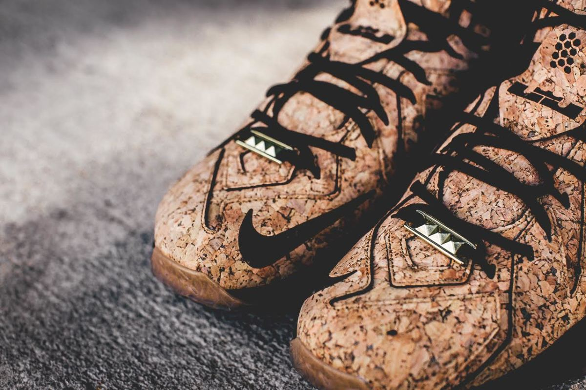 nike-lebron-12-ext-kings-cork-01