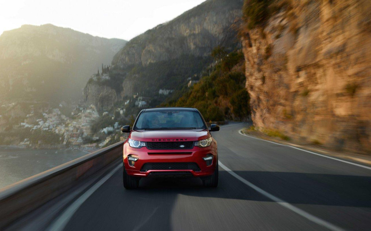 2016-land-rover-discovery-sport-dynamic-01