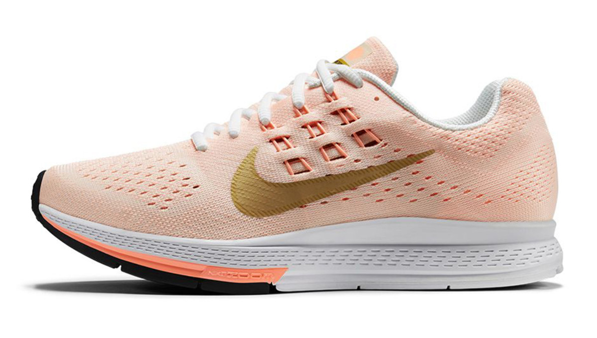 nike-running-modern-gold-rush-pack-04