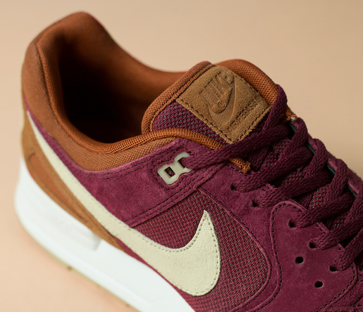 nike-pegasus-terracotta-pack-size-exclusive-02