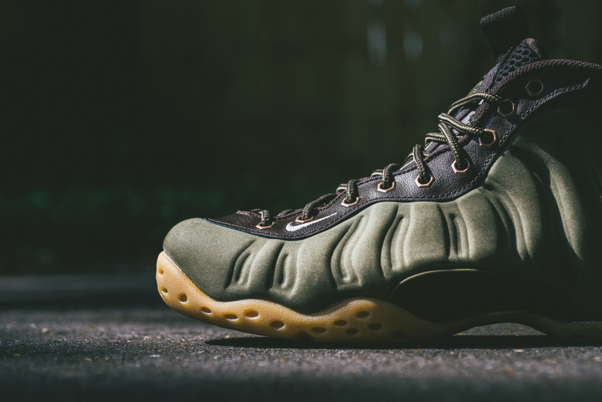 nike-air-foamposite-one-olive-05