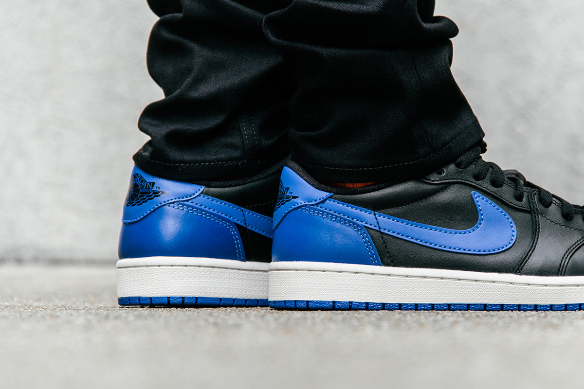 air-jordan-1-retro-low-og-varsity-royal-06