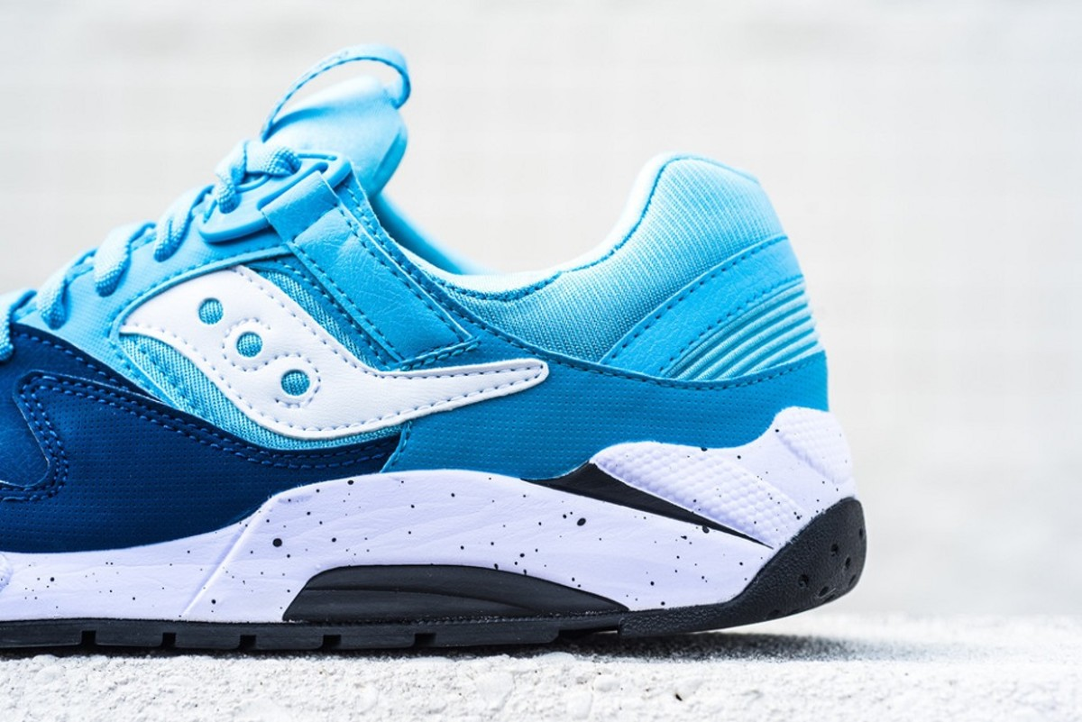 the-refreshingly-cool-saucony-grid-9000-in-navy-blue-white-0
