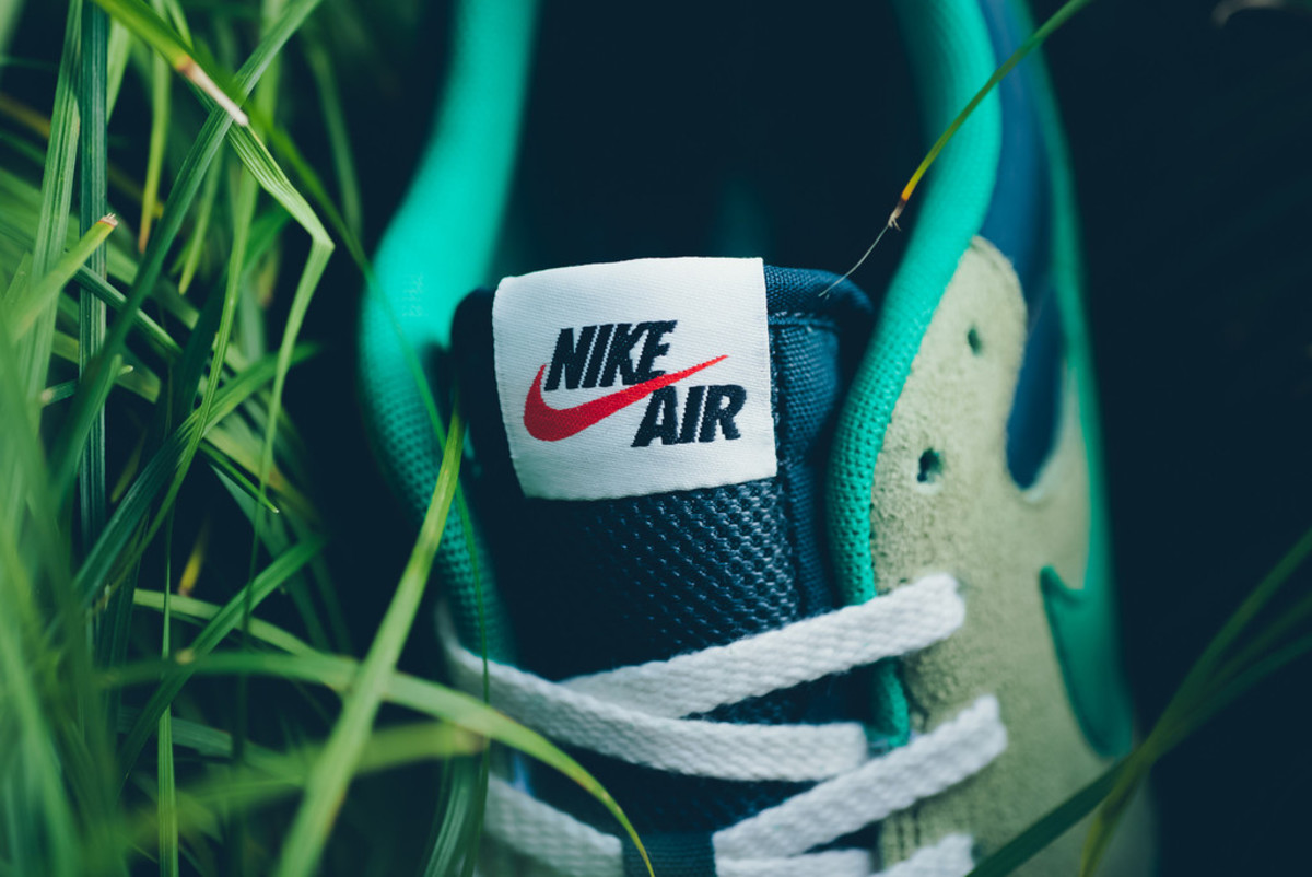 nike-brings-back-the-air-epic-in-four-new-colorways-02