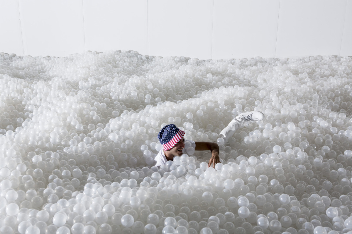 snarkitecture-transforms-national-building-museum-into-massive-ball-pit-07