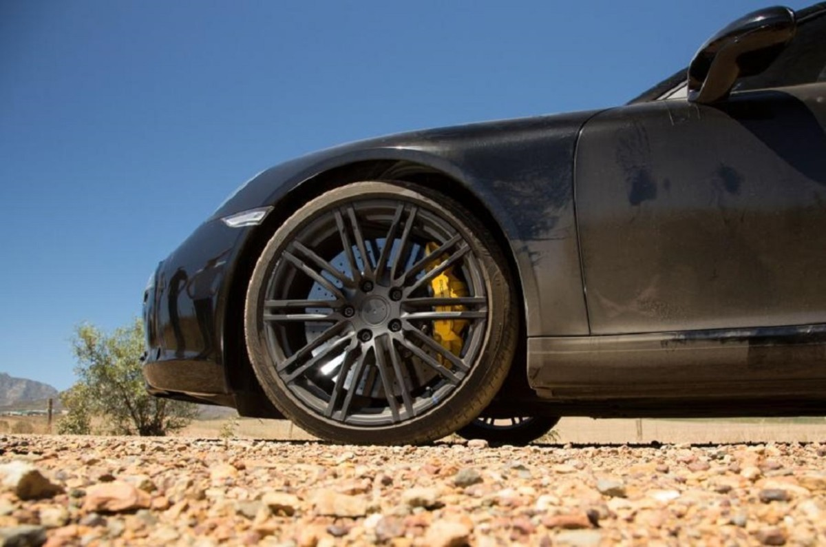 porsche-911-facelift-teased-in-south-africa-9