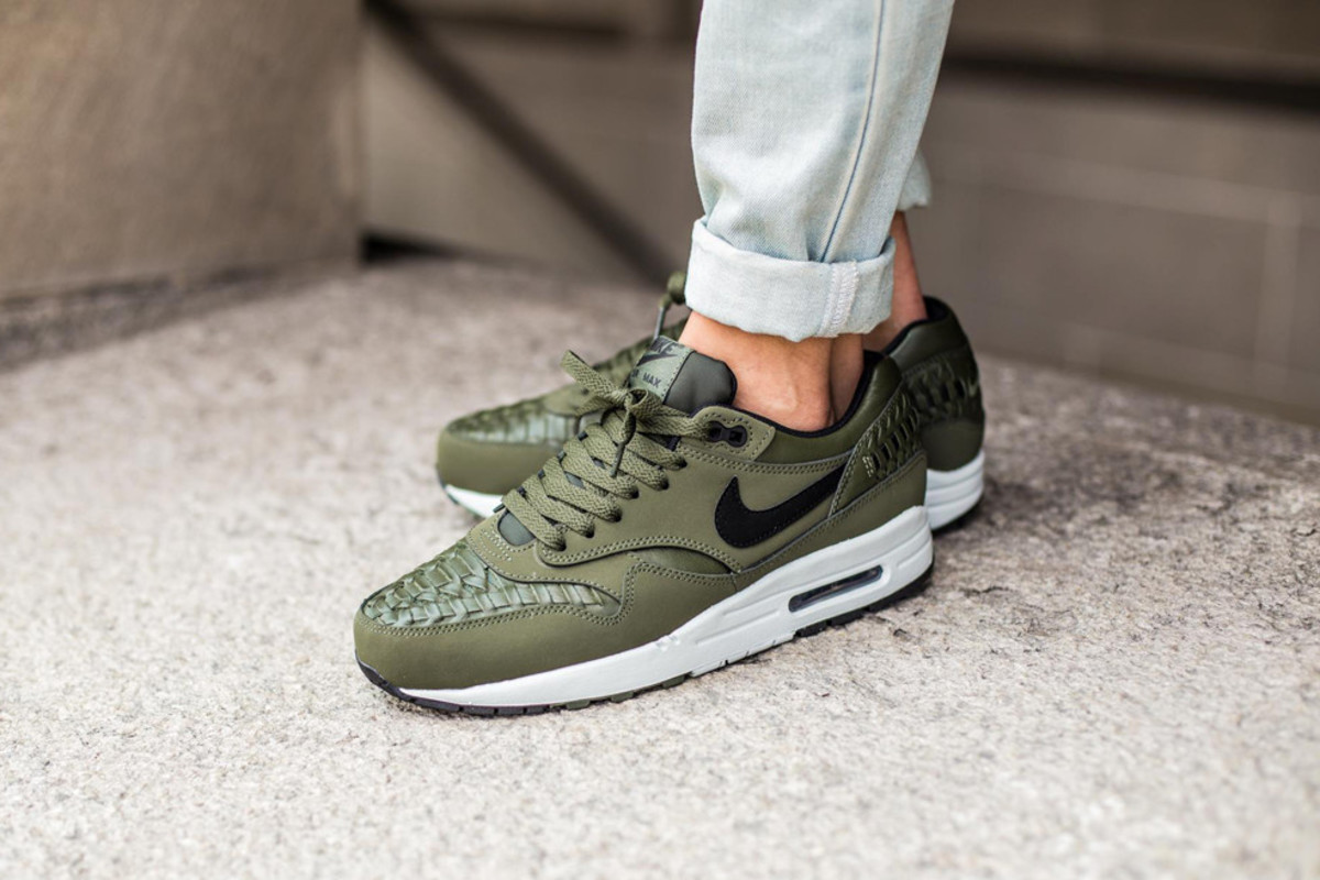 nike air max thea woven carbon green for sale